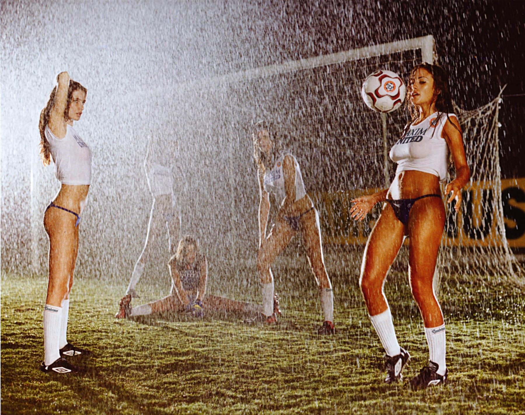 Секс в футбольном площадке 4 фотография
