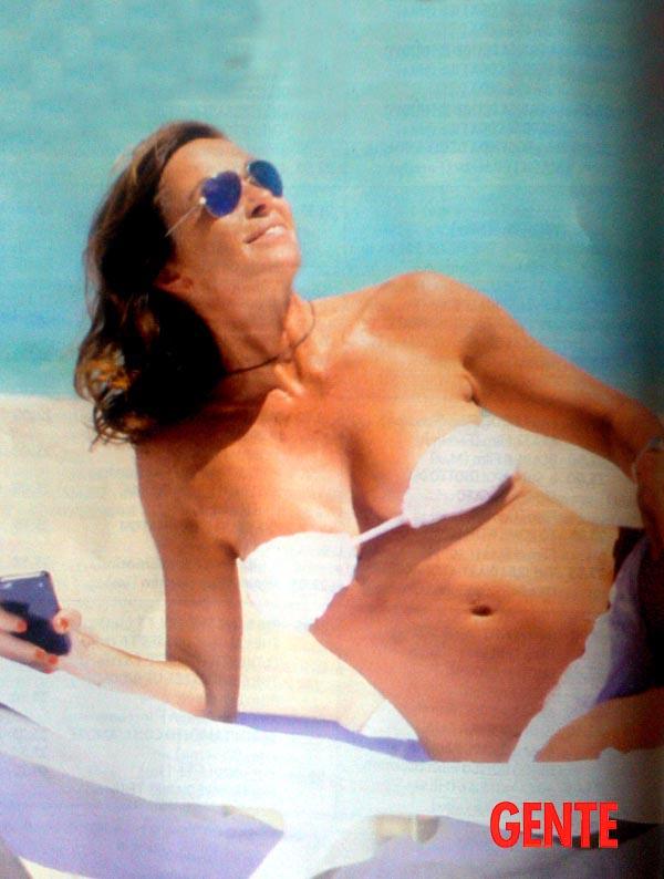 Cristina-Parodi-topless-13