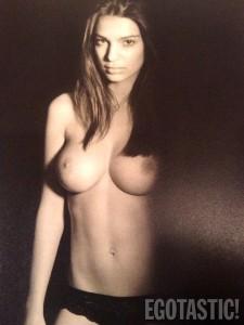 emily-ratajkowski-topless-seductive-photos-by-john-02-675x900